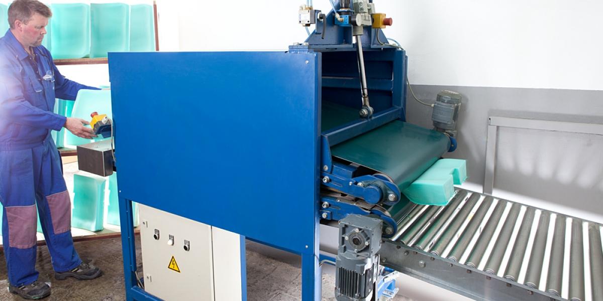 Crushing of a W102010 foam part